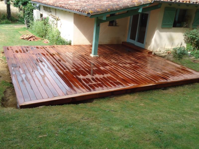 Terrasse bois en Merbau (bois exotique) à Cassen dans les Landes