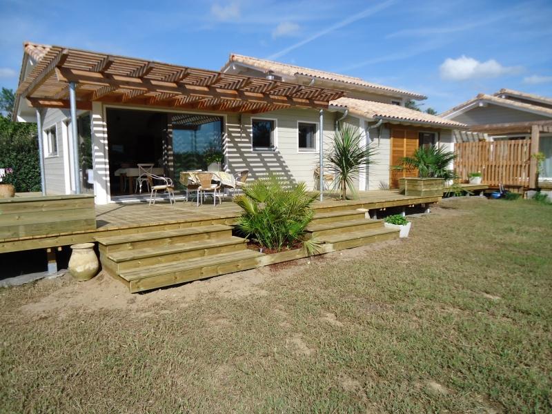 Terrasse bois sur pilotis en Pin Rouge du Nord à Saubion (40230)