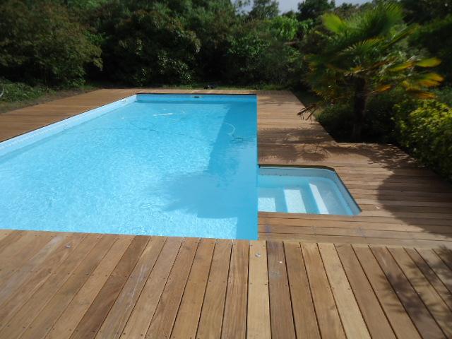 Pose tour de piscine proche mont de marsan for Tour de piscine
