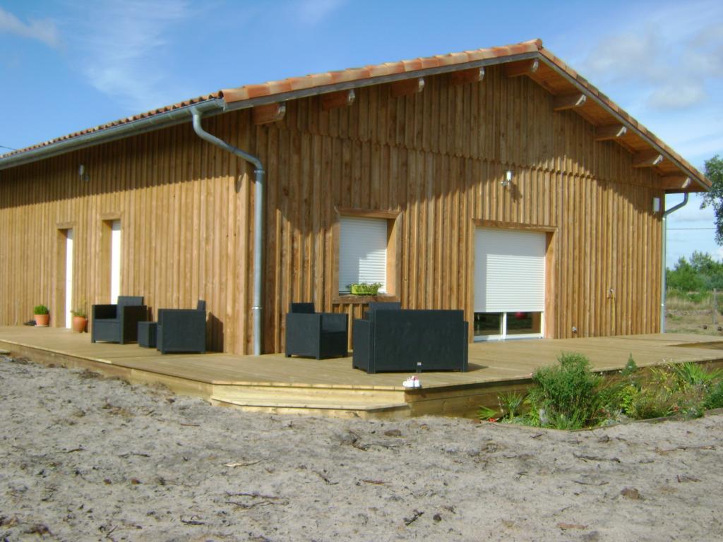 Construction maison bois landes 40 maison ossature bois for Maison ossature bois contemporaine prix