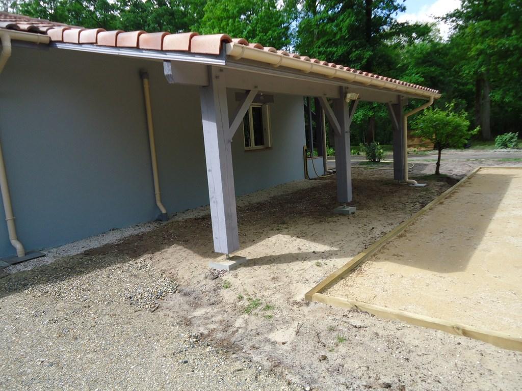 Extension maison parpaing levation de lu0027tage avec des for Garage bois ou parpaing