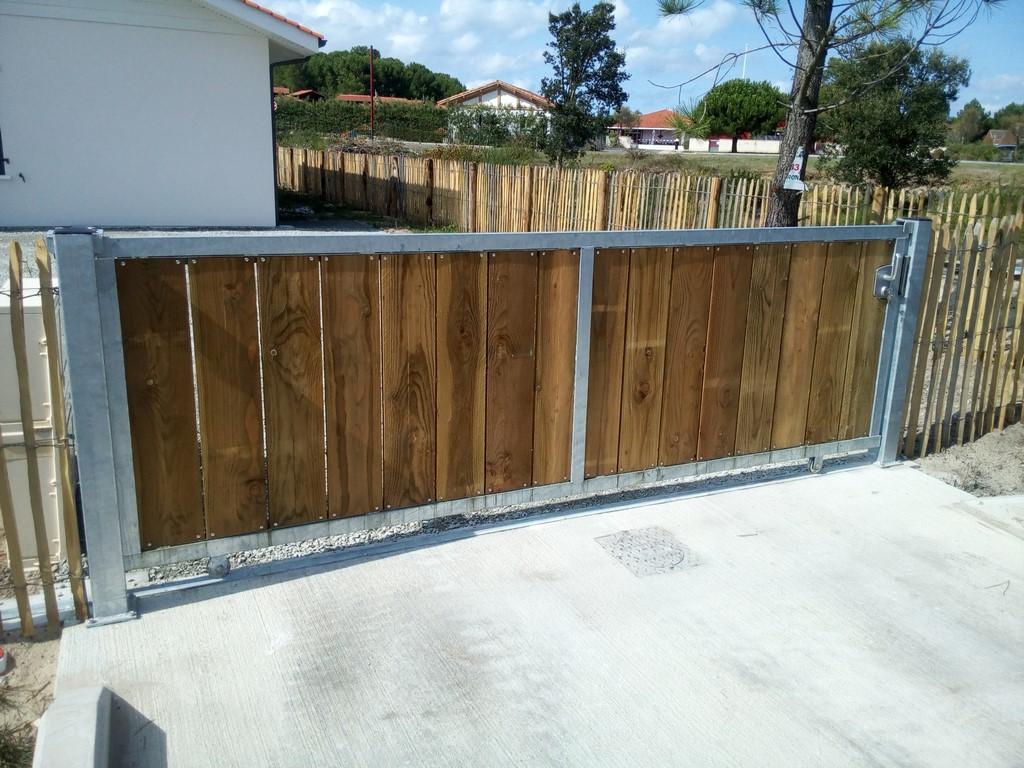 Plus adapté DECK 40 : portails sur mesure en acier galvanisé et bois Landes 40 ZI-97